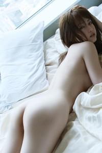 Akiho Yoshizawa White Rose