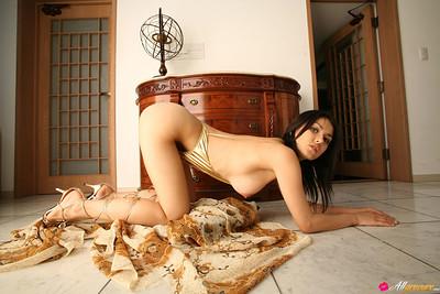 Maria Ozawa in Freedom from All Gravure