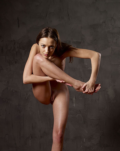 Anna S in Body Sculpting from Hegre Art