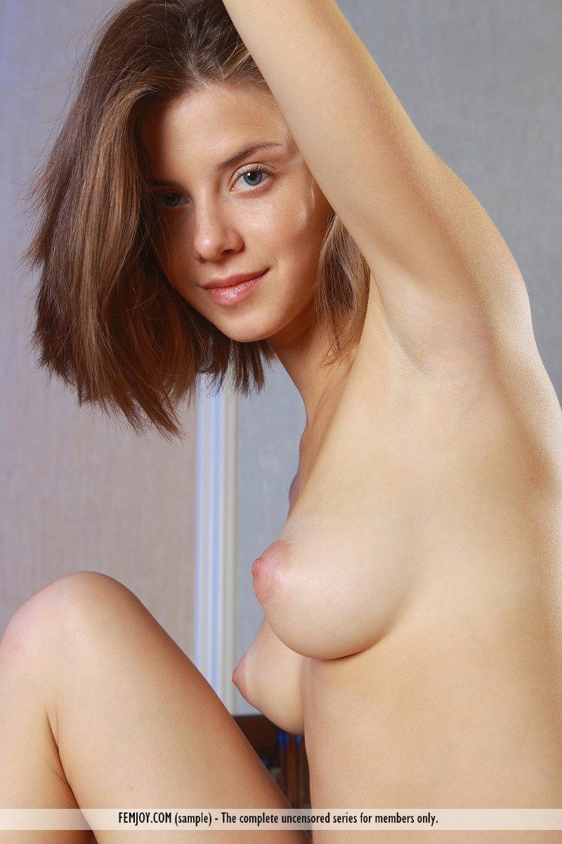 https://k5x5n5g8.ssl.hwcdn.net/content/130103/femjoy-danica-between-her-legs-12.jpg