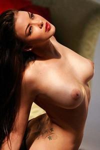 Natalia Cruze On Her Soft Fur Rug