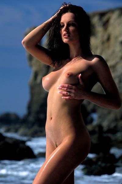 Sandra Shine Peels Off Her Pink Bikini At A Beach In Malibu