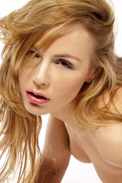 Crystal Kleins magenta-pink lingerie complements