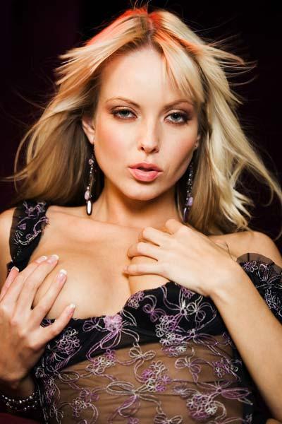Jana Cova is simply gorgeous