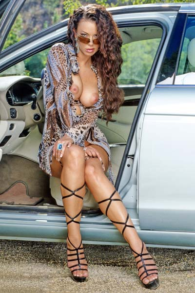 Natalia Cruze pulls over for
