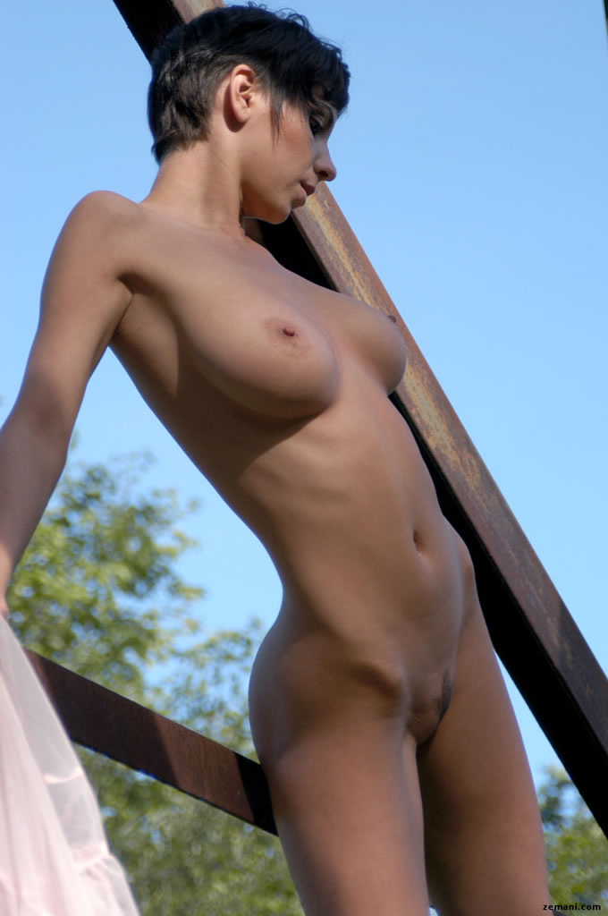Erica  nackt