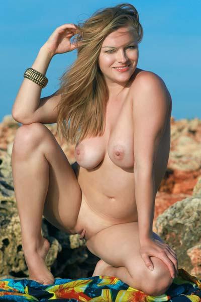 Alessandra A Sunaye