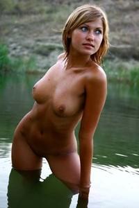 Alisana in the lake