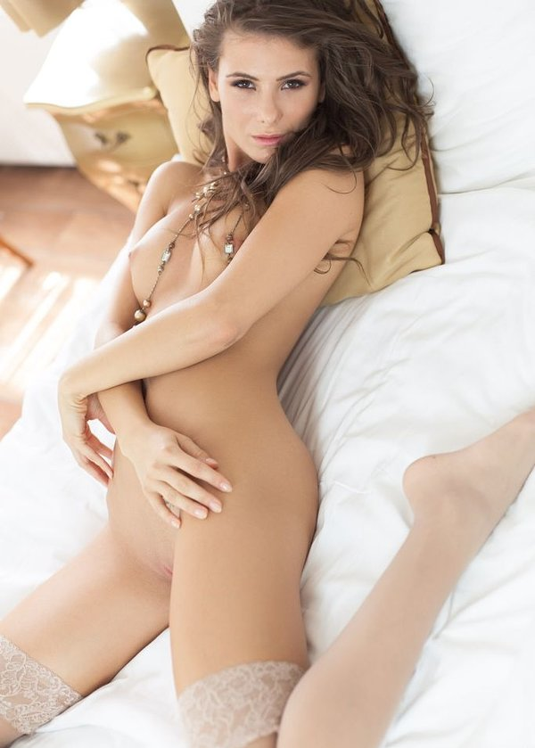 Jason Derulo Poses Nude For Cosmopolitan Maazine