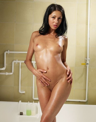 naked girls wet and oily