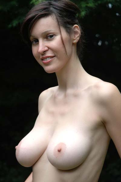 Do you like her hot natural tits