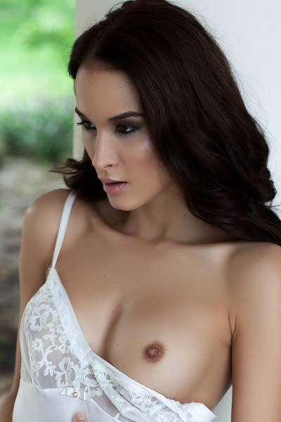 Playboy Jasmin Garden of Pleasures