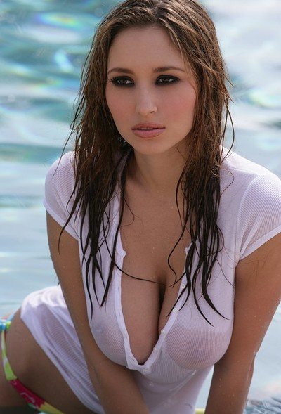 Shay Laren in Gets Soaked from Digital Desire