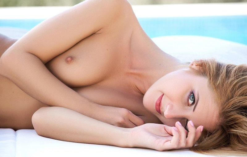 Naked flirting