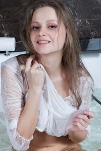 Alexandra Dzzza