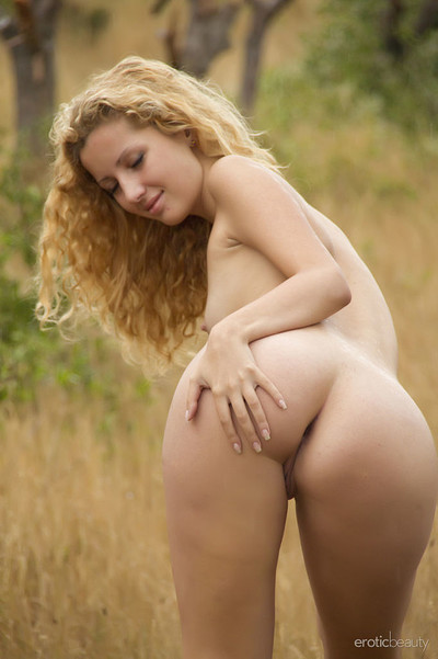 Tofana A in Outdoors Alone from Erotic Beauty