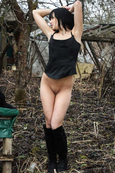 Dark haired chick Lexi B is feeling horny in the woods