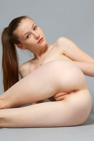 Get ready for hot pictures of Emily in nude