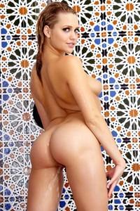 Stunning Mia Malkova takes a shower