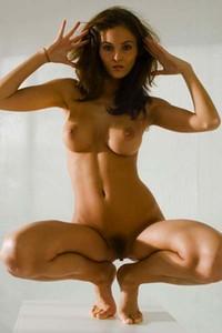 Delicious Linda poses eroticaly