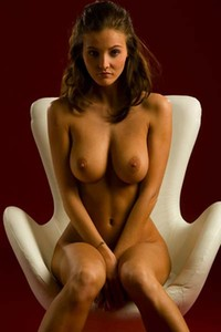 Busty Linda in the chair
