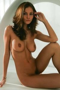 Linda showcases her perfect body