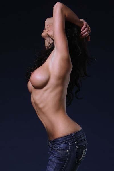 Delicious curvy babe Rachelle