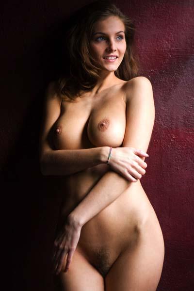 Gorgeous busty babe Linda