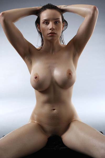 Jacqueline is naked and naughty