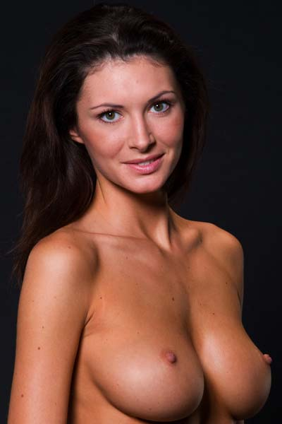 Klaudia has a flawless body to show