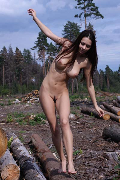 Outdoor seduction with hot Helga
