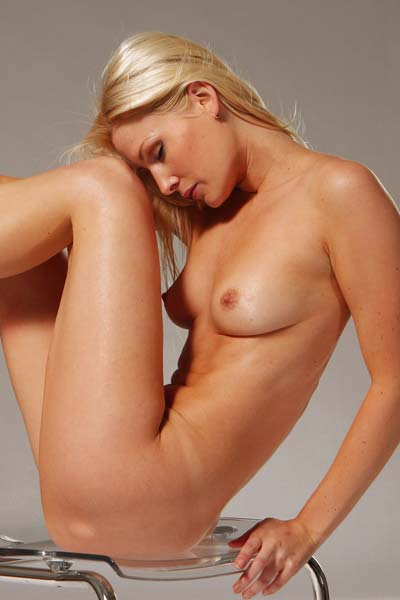 Outstanding blonde babe Ashley