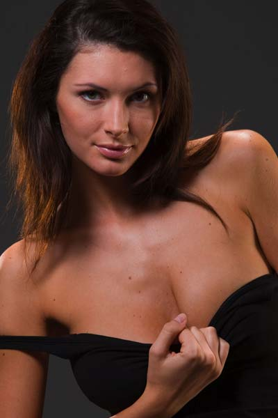 Sexy Klaudia exposes her attributes