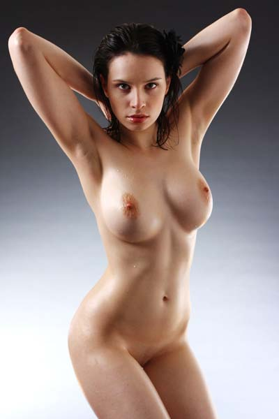 Spectacular Jacqueline poses nude