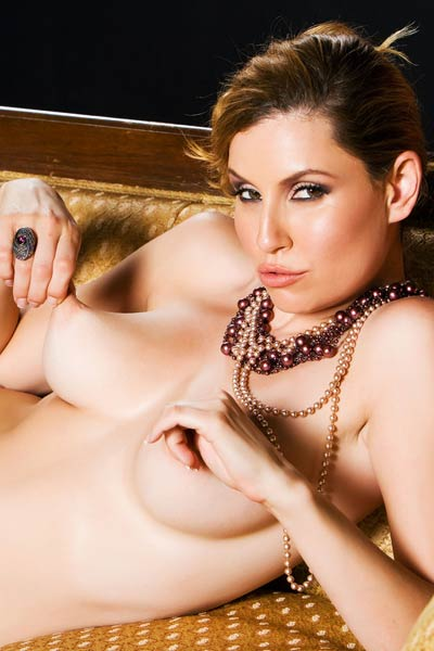 Seductive brunette Jamie Lynn strips and teases eroticaly