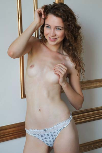 Young brunette Lilu M knows how to tease
