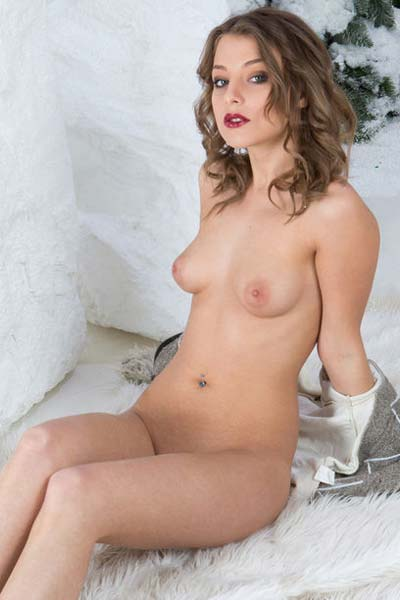 Brunette babe Nikia is your snow princess