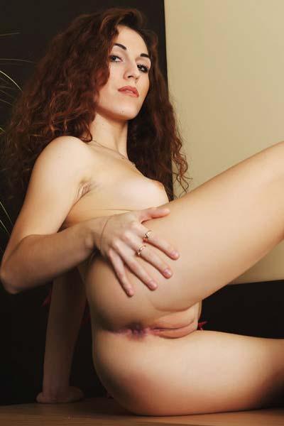 Amazing Eva Kane takes off her white bra and poses sensually