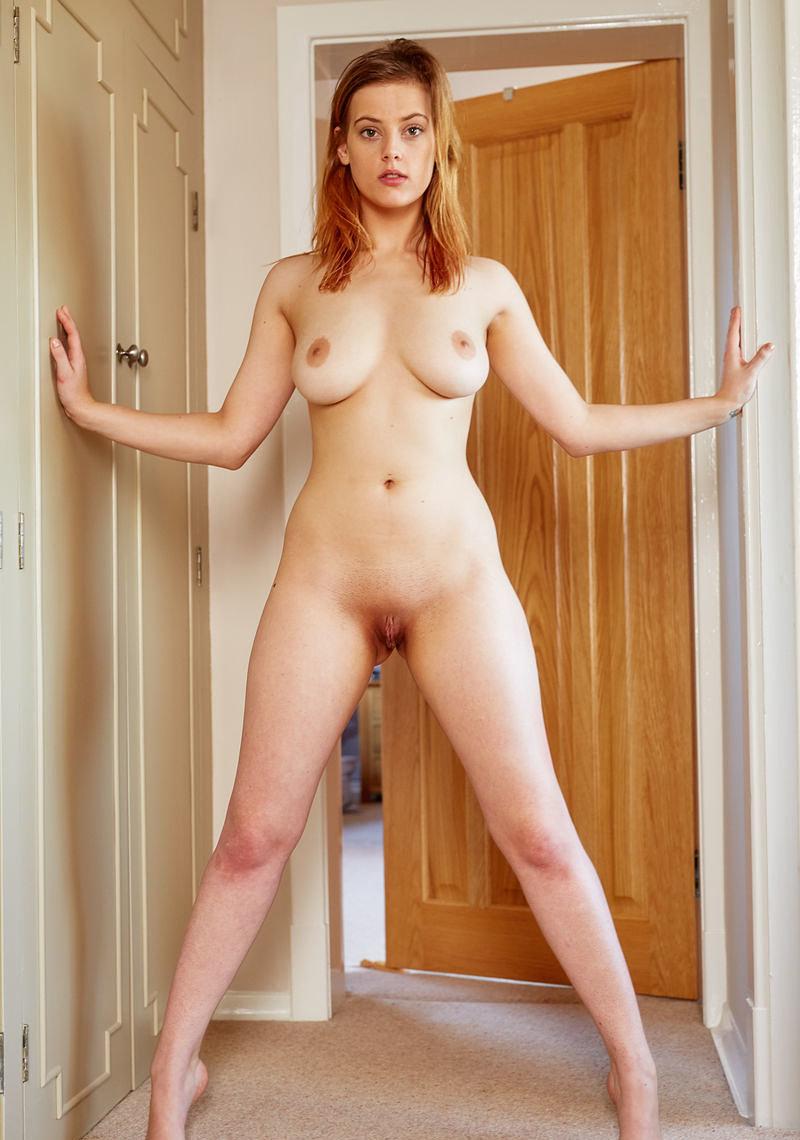 https://k5x5n5g8.ssl.hwcdn.net/content/160506/curvy-goddess-delina-g-is-feeling-naughty-today-02_w800.jpg