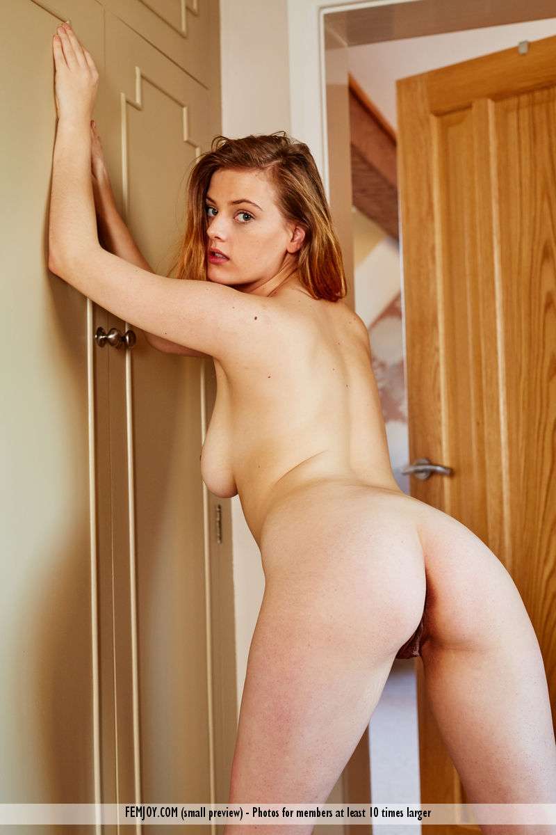 https://k5x5n5g8.ssl.hwcdn.net/content/160506/curvy-goddess-delina-g-is-feeling-naughty-today-03.jpg