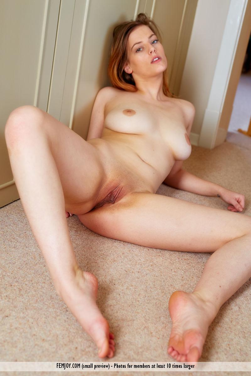 https://k5x5n5g8.ssl.hwcdn.net/content/160506/curvy-goddess-delina-g-is-feeling-naughty-today-13.jpg