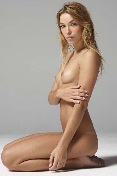 Amazing Amber has an amazing body to display