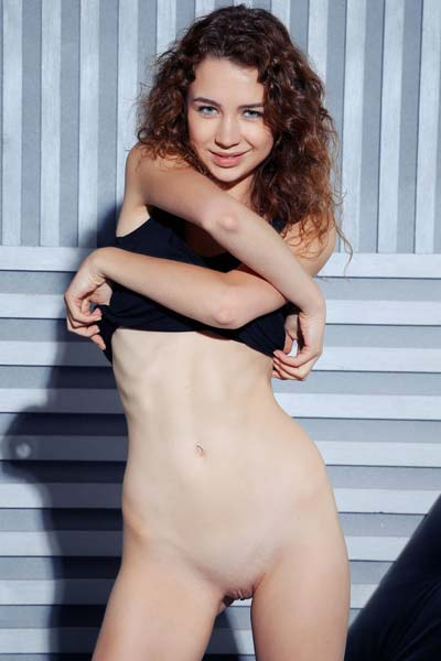 Lilu M gives you the full package as she strips to her skin