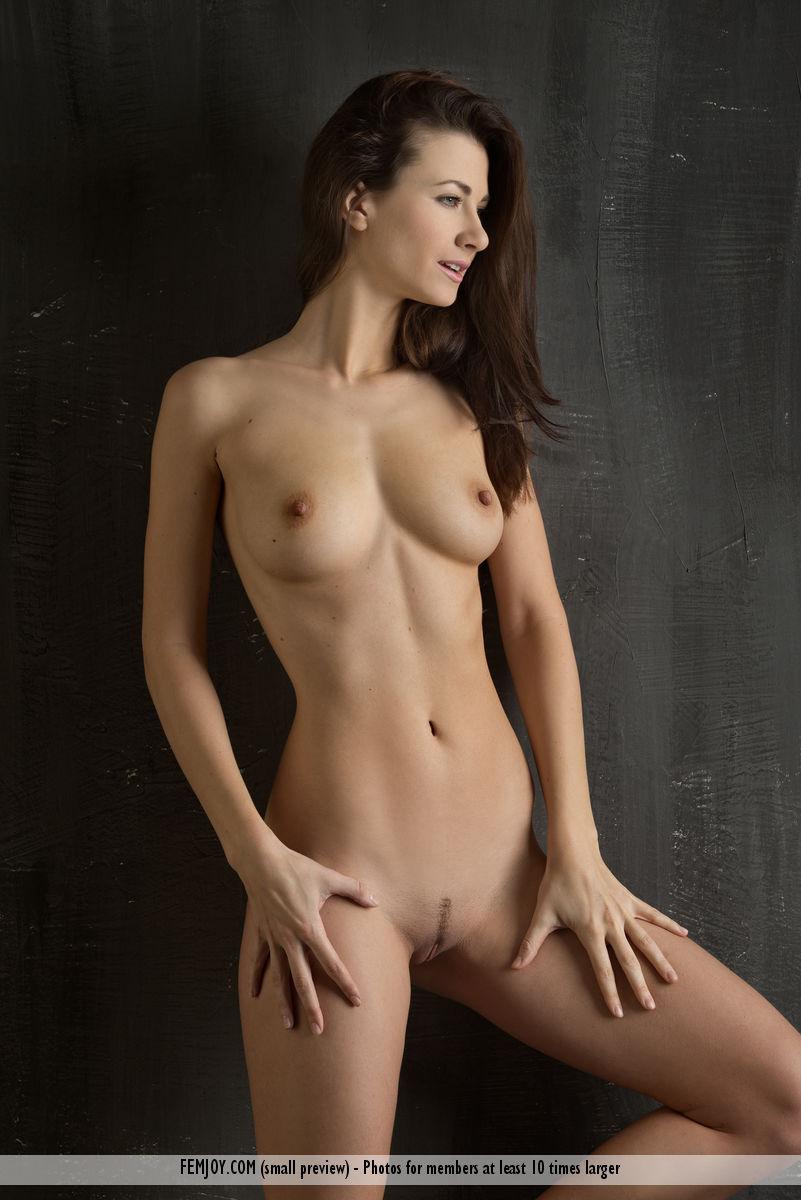 Nude lauren New Erica