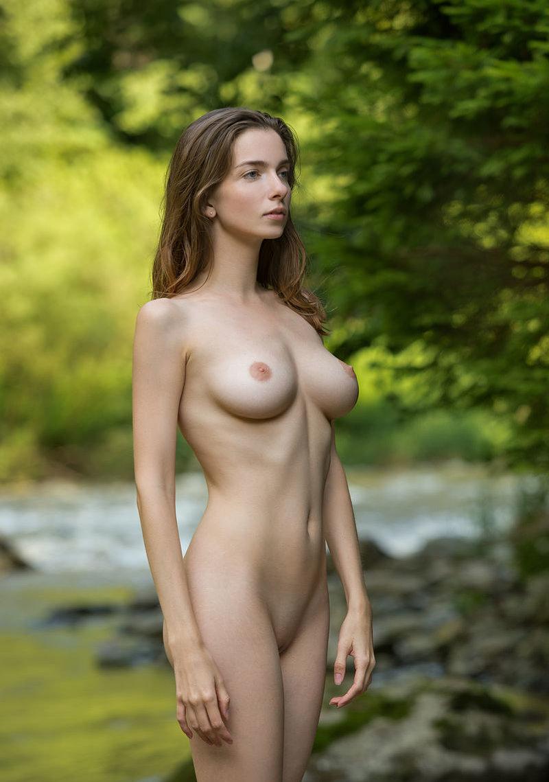 Amazing busty lady vika a incredible nude woman