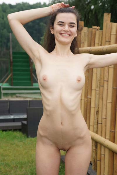 Alberta L knows how to lure you as she poses naked on the camera