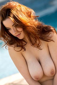 Outstanding busty beauty Elizabeth Marxs in sexy poolside seduction