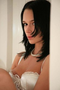Dark haired beauty Gwen is lonely and horny today