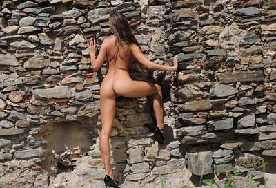 Juliette in Lost Castle from Photodromm