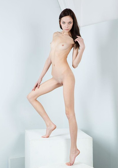Julia P in Sculpture from Stunning 18